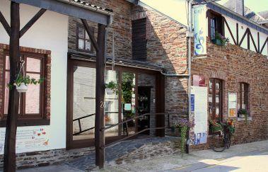 <p>Les grès de La Roche-en-Ardenne</p>-Visites - Curiosités to Province of Luxembourg