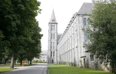 Abbaye de Maredsous-Visites - Curiosités to Province of Namur