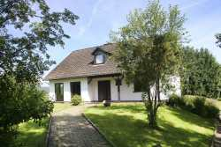 Nice detached holiday house for 12 people in Amblève
