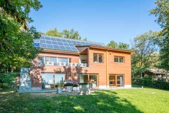 4.5-star luxury holiday cottage for 20 persons in the woods of Beauraing