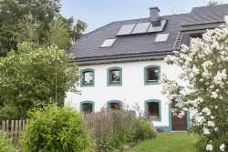 Comfortable holiday cottage for 9 pers. for farm holiday in Büllingen