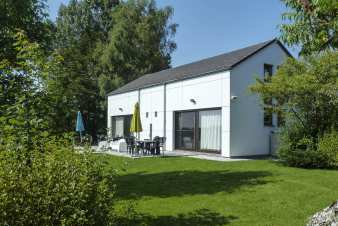 Holiday home for 9 people by the lake of Bütgenbach