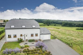 Holiday cottage in Chassepierre for 8 persons in the Ardennes
