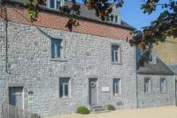 Ardennian village holiday house for 15 personns to rent for Dinant stay