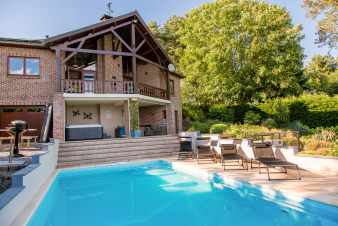 Modern equipped holiday villa with authentic character near Durbuy