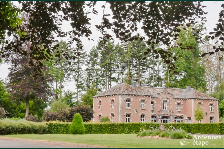 Charming holiday house to rent in a castle annex in Durbuy