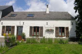 Pleasant holiday home for 6 persons in Froidchapelle in Hainaut