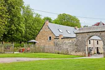 Holiday château annex to rent for 7 persons in Hamois