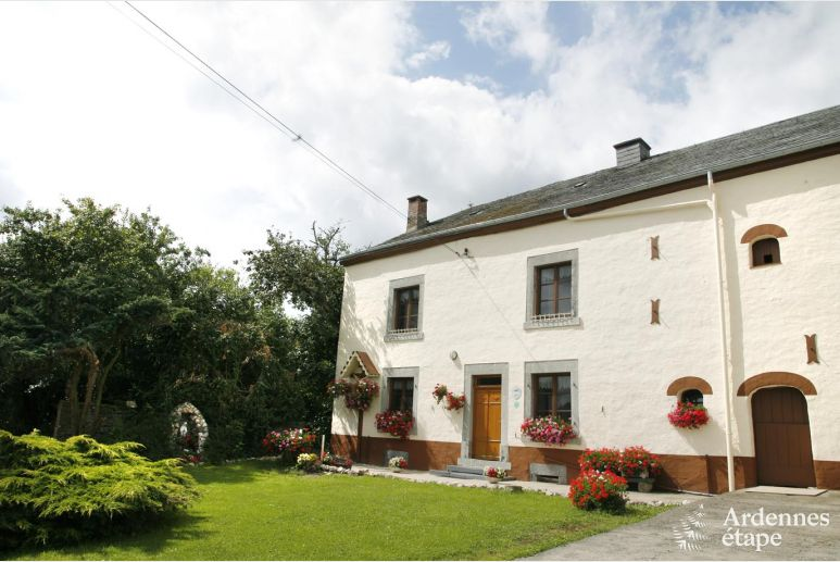 Holiday cottage for 14 persons for an active stay in Houffalize in the Belgian Ardennes