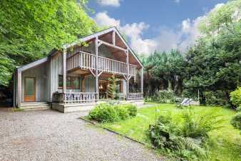 Wooden chalet in La Roche-En-Ardenne for 8 people
