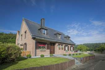 Charming holiday home for 8 people in La Roche