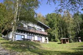 Luxurious holiday cottage for 14 persons in the heart of the nature of Malmedy