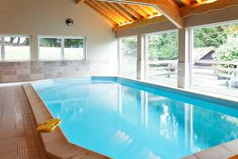 Holiday house for 22 people with indoor swimming pool & sauna in Malmedy