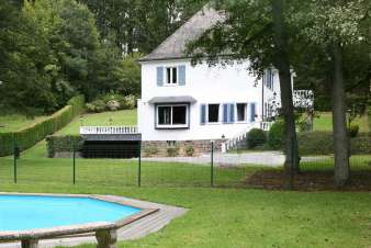 Large luxury villa with pool and jacuzzi in garden to rent in Malmedy