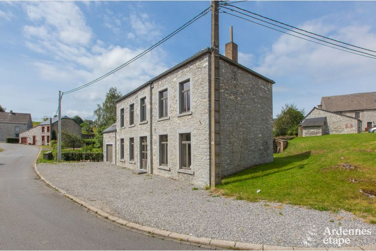Authentic village house for 12/13 people in Flavion (Maredsous)