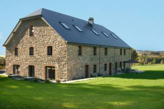 Holiday cottage in Redu for 12 persons in the Ardennes