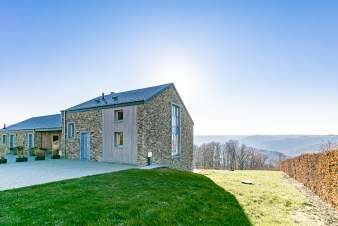 Holiday home for eight people for rent in Rochehaut in the Ardennes