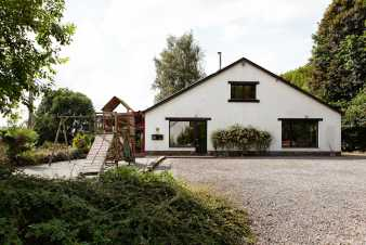 Holiday cottage in Saint-Hubert for 13 persons in the Ardennes