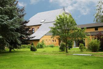 Holiday house for 15 persons in Sourbrodt with a beautiful equipment