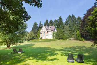 Holiday villa for 26 pers. in nice location in Stavelot, dogs allowed