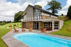 Holiday cottage with outdoor pool for 15 pers. to rent in Stoumont