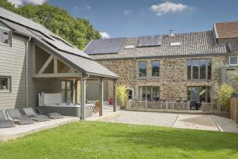 Charming holiday cottage in Theux for 14 persons