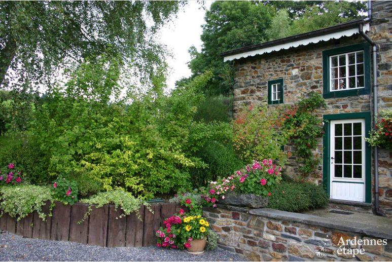 Charming 3-star holiday cottage for 2 persons in the woods of Vielsalm