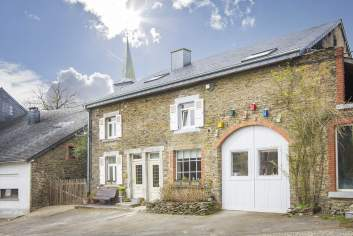 Holiday cottage in Vresse-sur-Semois for 13/14 persons in the Ardennes